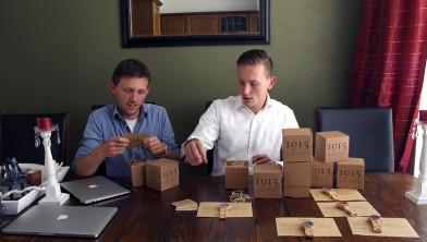 Johnny (links) en Robert (rechts) Spies
