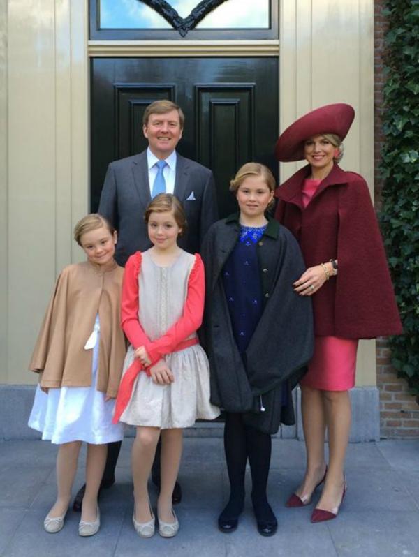 Cape Zara jurk Natan hoed Fabienne Delvigne