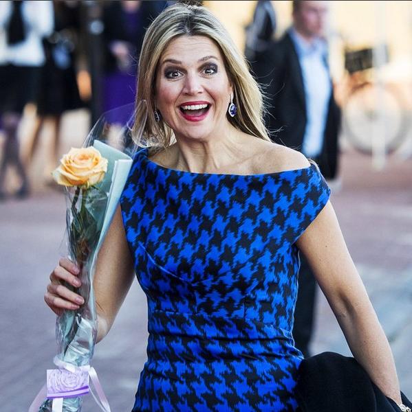 koningsdag concert dordrecht Poed de poule jurk Michael Kors 14 04 2015 om 00.23.51