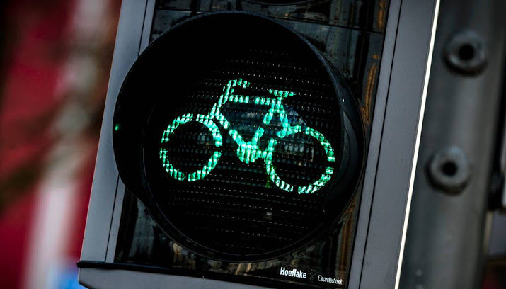 Licht Voor Fiets : Veel vaker groen licht voor fiets in rotterdam nieuws