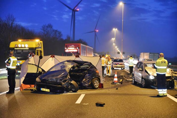 Vrachtwagenchauffeur meldt zich na dodelijk stenenongeluk op A58 bij Moergestel.