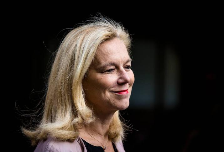 Kaag: hulpverlener krijgt humanitair paspoort Nieuws.nl