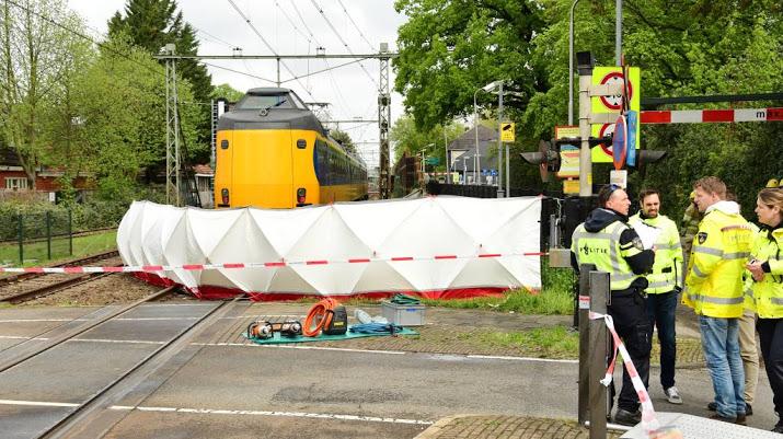 Bussum - Rijinstructeur omgekomen bij treinongeval.