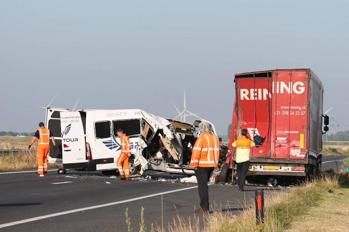 Dode door verkeersongeluk A4 bij Zoomland.