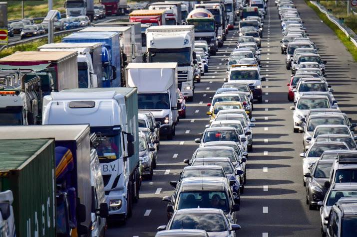 A4 Amsterdam-Den Haag dicht na ongeluk.