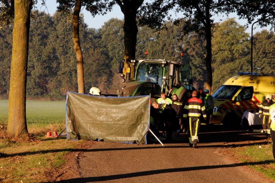 Wielrenner die in botsing kwam met tractor in Erp is overleden.