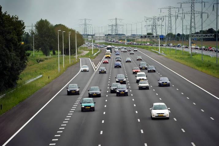 A2 bij Oudenrijn weer open na heftig ongeluk.