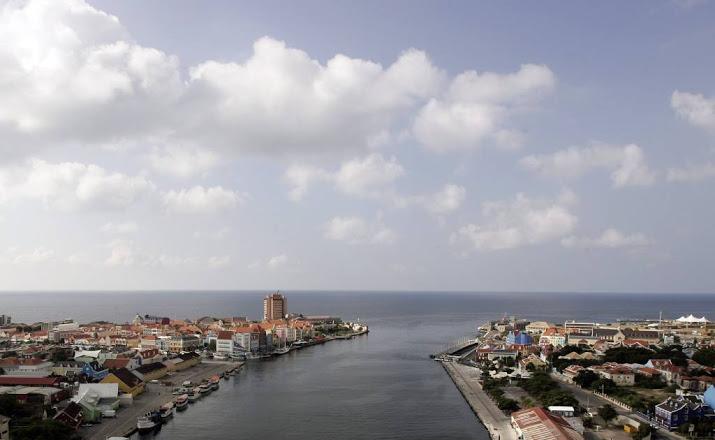 OM vervolgt drie militairen voor dodelijk duikongeval Curaçao.