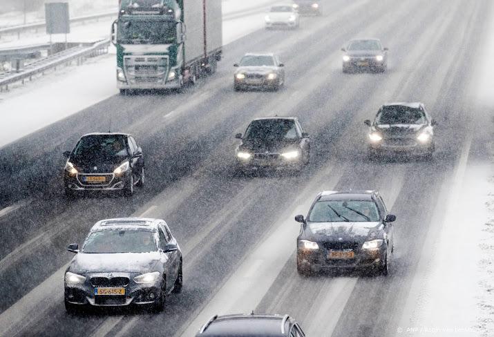 Afrit Zoetermeer nog dicht na kettingbotsing.