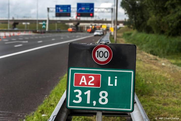 A2 bij Abcoude lang dicht na ongeluk.