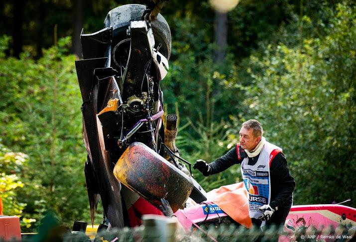 Race Formule 2 gestaakt na zwaar ongeval.