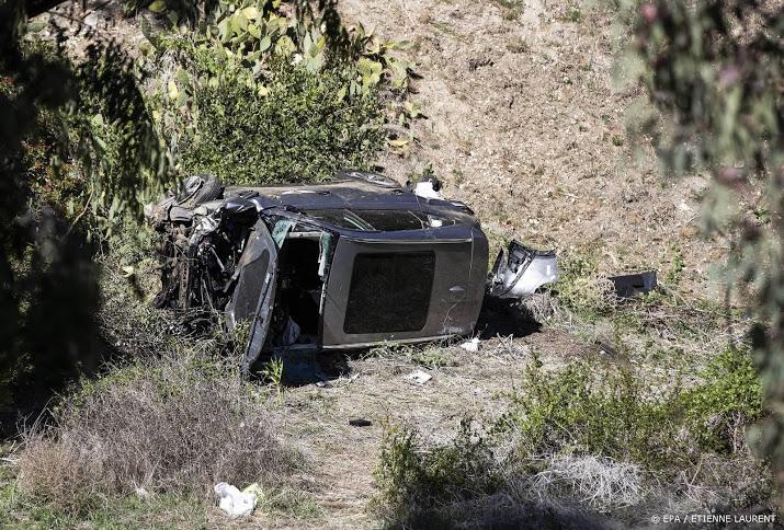 Prominenten leven mee met golfer Woods na ongeval.