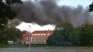 Kontakt der Kontinenten middenin brand Soesterberg