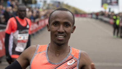 Abdi Naggeeye eerder tijdens de Halve Marathon van Egmond.