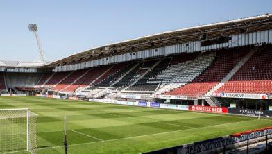 Dak AZ-stadion ingestort