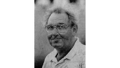 De heer Smit, voormalige voorzitter van EFC'58.