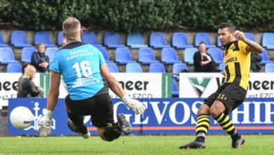 Benjamin Roemeon scoort 2 doelpunten voor DVS'33.