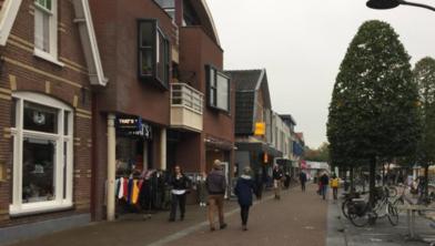 Sinds de lockdown zijn de niet-essentiële winkels gesloten, maar bezorgen volop.