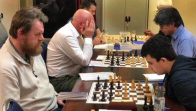 Dirk van Setten (links) verliest de koppositie aan Bas West.