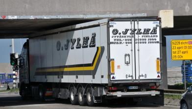 De vrachtwagen op de foto is niet dezelfde als degene die de politie woensdag aantrof.
