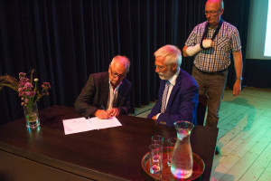 Ondertekening nieuw convenent-1