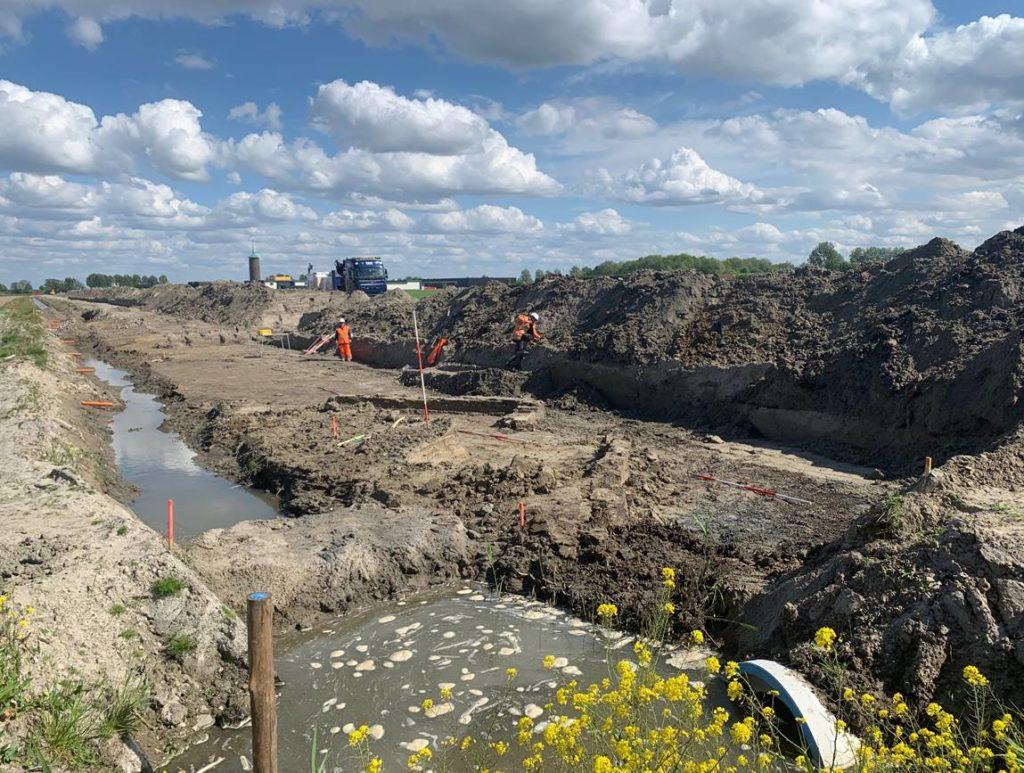 Oude muren opgegraven N215