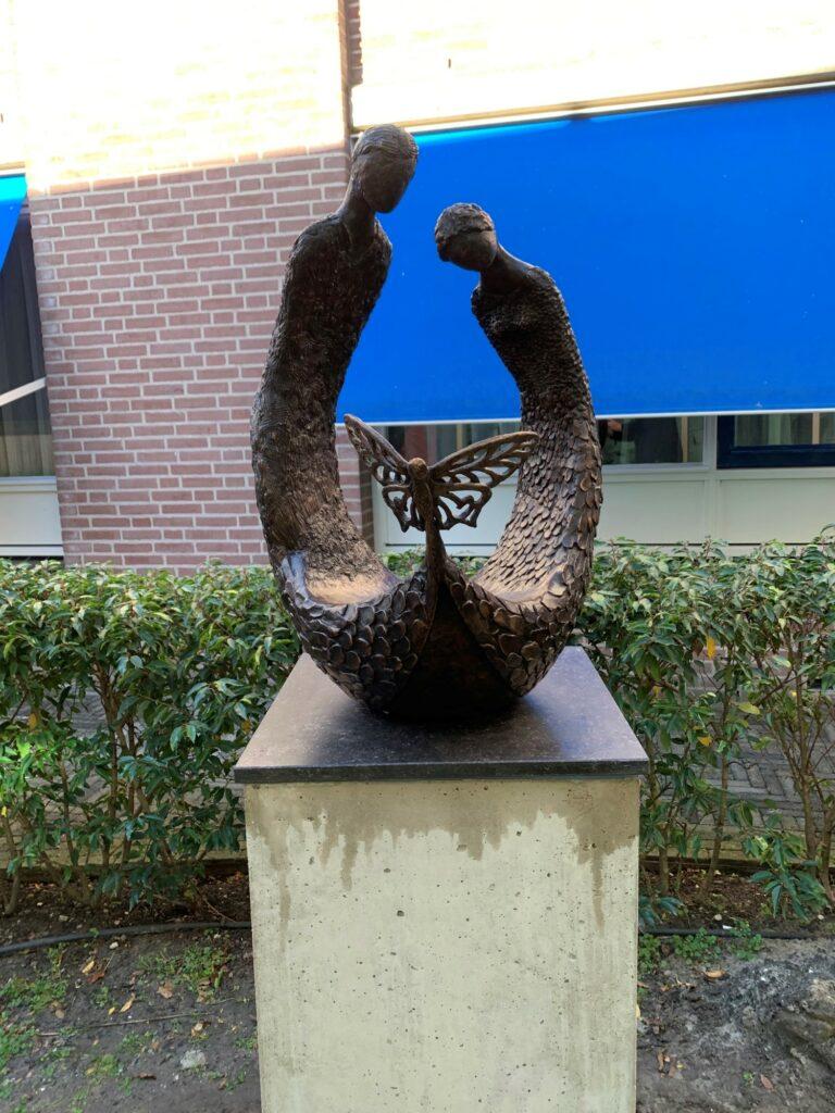 Gedenkbeeld stilgeboren kinderen vlinderproject Van Weel-Bethesda ziekenhuis Dirksland