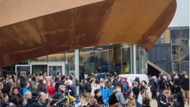 Vrijdagochtend 20 maart 2015 verzamelden zich 900 toeschouwers bij het Infoversum in Groningen om een zonsverduistering te bekijken