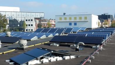 72 geplaatste zonnepanelen op het dak