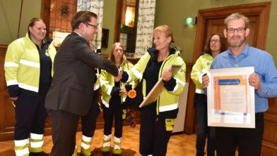 Dierenambulance Groningen ontvangen de Provinciale vrijwilligersprijs
