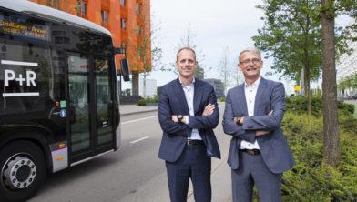 Jos Nijhof van het Alfa-college (rechts) en Fitim Ismili van Noorderpoort (links)