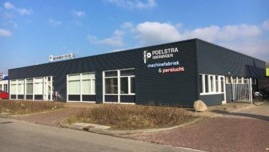 Groningse bedrijf Poelstra Perslucht bv aan de Atoomweg.