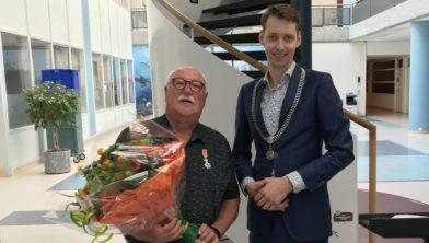 Piet Gruisen en locoburgemeester Mattias Gijsbertsen.