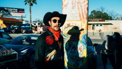 Garrett T Capps, één van de headliners op het TakeRoot Festival.