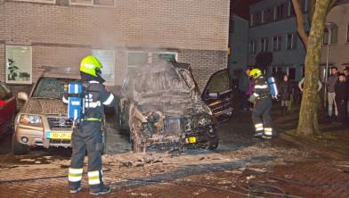 Nu een grote BMW die in brand vliegt.