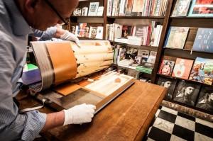 Rijks ligt te koop bij boekhandel H. de Vries.