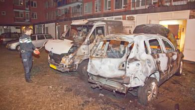 Drie auto's getroffen door brandstichting.