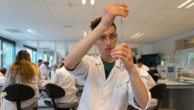 Het lab-onderwijs staat op één.