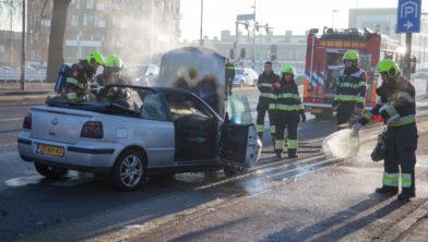 Veel oponthoud door brandende auto.