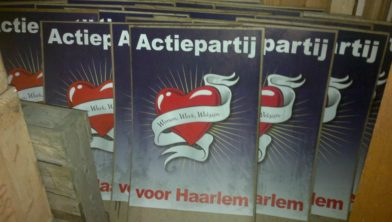 Posters tijdens verkiezingsstrijd.