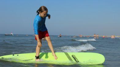 Leren surfen met de Jeugdsportpas.