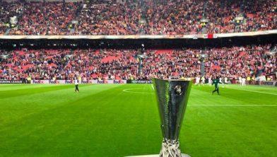 De beker tijdens het Europa Leagueduel woensdag.