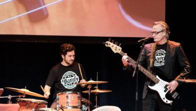 Alain Timmers van De Grootste Band van Nederland trad de vorige keer op in NV Haarlem.