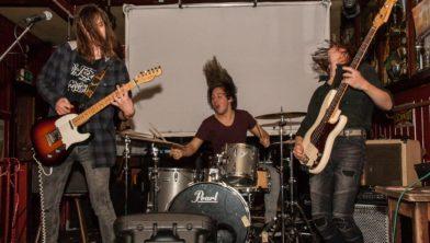 Een van de bands van Haarlemse popscene on tour: Operation Hurricane.