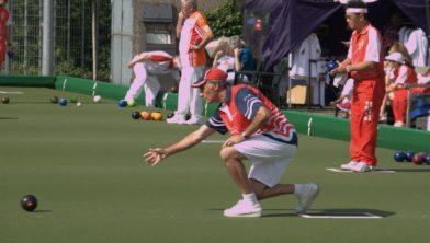 Behendigheid en concentratie bij Lawn Bowls.