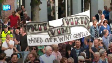 Moed overwint geweld, de spreuk van Haarlem.