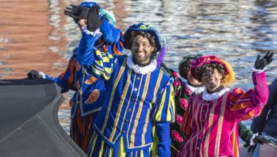 ''schoorsteenpieten' in Haarlem bij de vorige Sinterklaasintocht in Haarlem