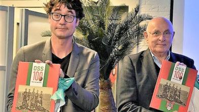 Sportwethouder Merijn Snoek en KNVB-voorzitter Michael van Praag