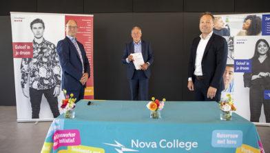 Haarlem - De officiele oplevering van de nieuwbouw van het Nova College aan de Zijlweg in Haarlem