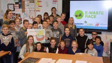 Groep 7C van Basisschool 't Joppe wint de eerste E-waste race in Haarlemmermeer